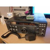 YAESU FT-990 RICETRASMETTITORE HF 0 -30 MHZ 220V PERFETTO STATO